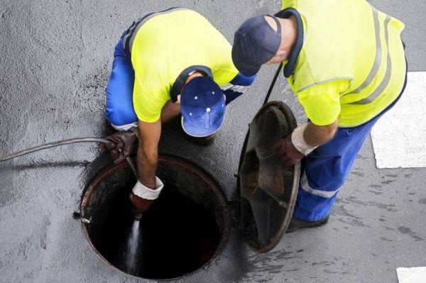 pogotowie kanalizacyjne chwaszczyno mechaniczne przepychanie i udrażnianie rur cismnieniowe czyszczenie kanalizacji wuko